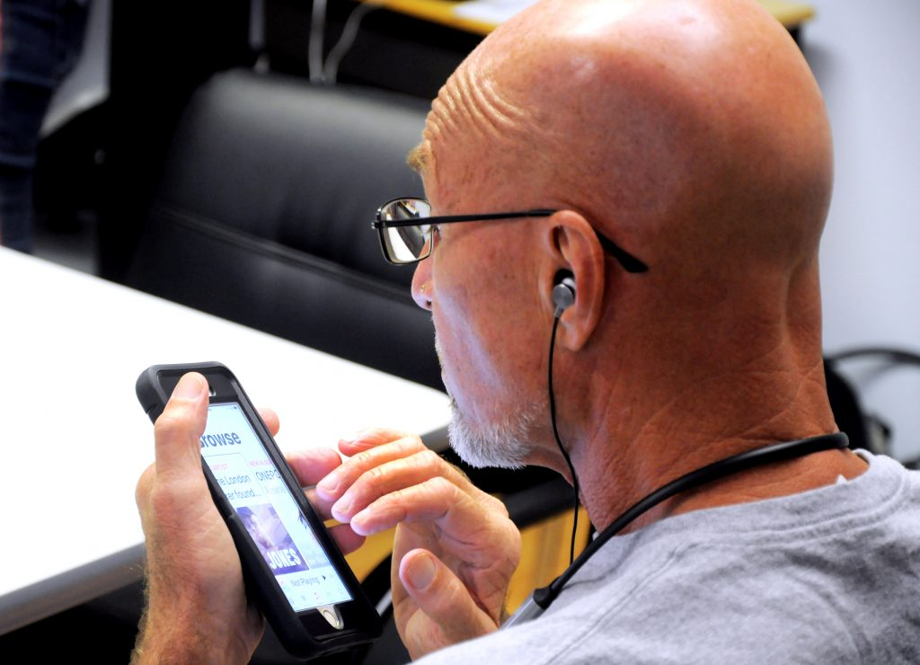 Lighthouse client uses iPhone with VoiceOver